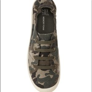 CAMO SNEAKERS army